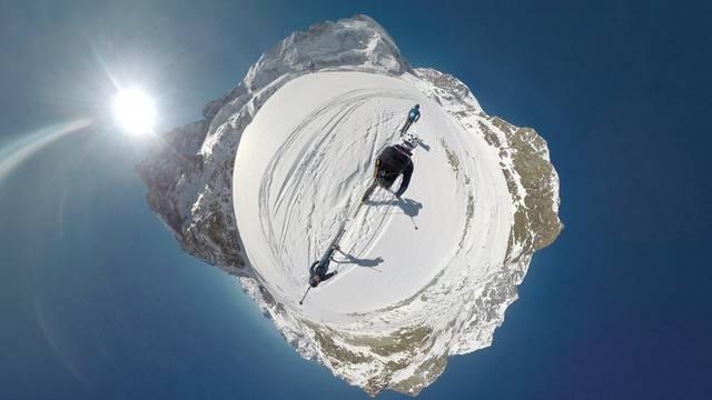 #project360 von Mammut: Patrouilles des Glaciers zwischen Zermatt und Verbier. Eine Aufnahme mit der 360°-Kamera.