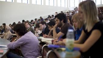 Die betroffenen Studenten sind frustriert, sie müssen die Prüfung wiederholen. (Symbolbild)