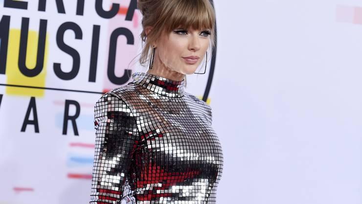 Lange Zeit wollte sich Taylor Swift öffentlich nicht auf eine politische Haltung festlegen. Seit Neustem wirbt die US-Sängerin offensiv für die Demokraten. (Archivbild)