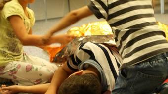 In Urdorf lernen die Kinder wie sie im Notfall reagieren müssen.