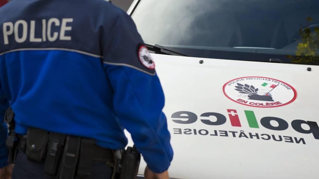 Drei Stunden nach der Säure-Attacke konnte die Neuenburger Polizei einen tatverdächtigen jungen Mann verhaften. (Symbolbild)