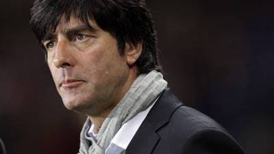 Der Schock sitzt tief. Deutschland verliert gegen Serbien mit 0:1 und muss nun Ghana schlagen, um in die Achtelfinals zu kommen.