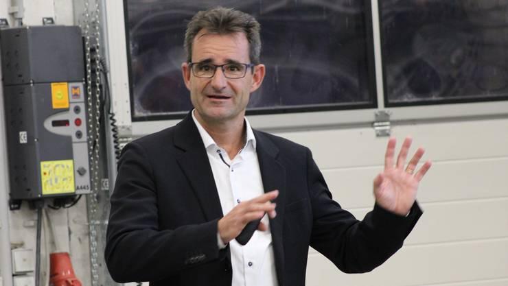 Projektleiter Christian Bersier von Energiedienst erläuterte das Projekt Interessierten bereits im Oktober. Nun ist das Baugesuch eingereicht.