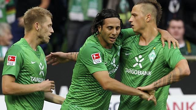 Pizarro und Bremen jubeln über den Sieg in letzter Minute