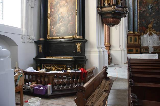 Die Gerüste sind zwar weg, doch noch immer gleicht das Kircheninnere einer Werkstatt
