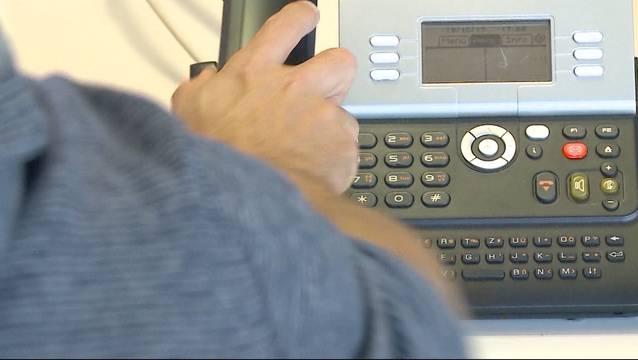 Telefonbetrüger mit solchen Maschen sind immer wieder erfolgreich. (Symbolbild)