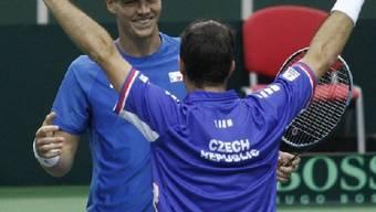 Tomas Berdych und Radek Stepanek holen gegen Italien dritten Punkt.