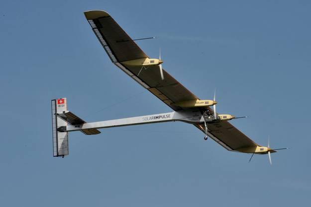 2010: Nach sechs Jahren Bauzeit absolvierte der Solar Impulse HB-SIA Prototyp den ersten Testflug.