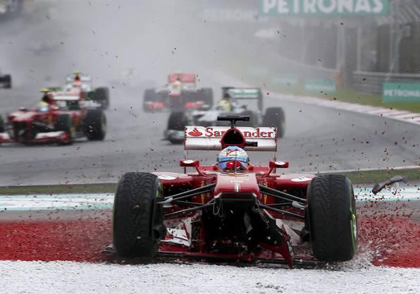 Ferrari-Alonso muss über das Kiesbett