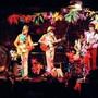 Bunte Show im Atlantis: Flower Power mit der Schweizer Beat-Band Les Sauterelles, 1967.