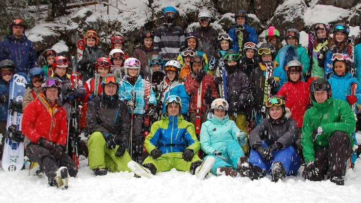 Die «Snowcamper» hatten einmal mehr ihren Spass auf der Piste und abends in der Unterkunft. zvg