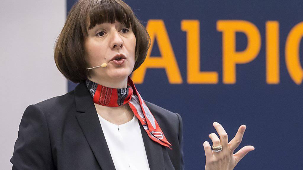 Alpiq-Chefin Jasmin Staiblin will den Energiekonzern umbauen. Das profitable Dienstleistungsgeschäft soll für Investoren geöffnet werden. Sorgenkind bleibt die Stromproduktion.