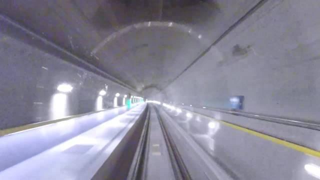 Im Zeitraffer: Mit Hochgeschwindigkeit durch den neuen Gotthard-Basistunnel.