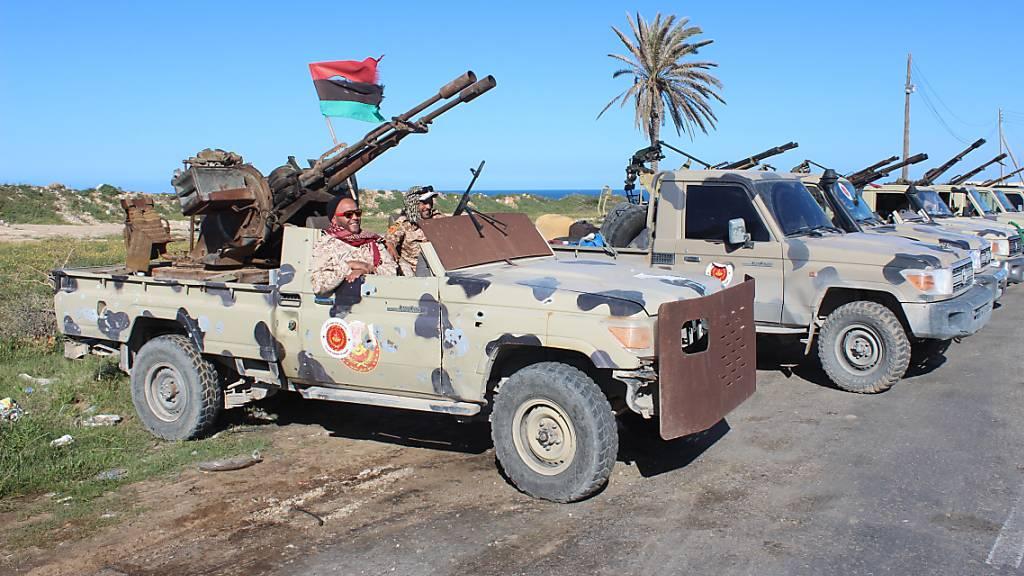 Truppen von General Haftar rufen Flugverbotszone aus
