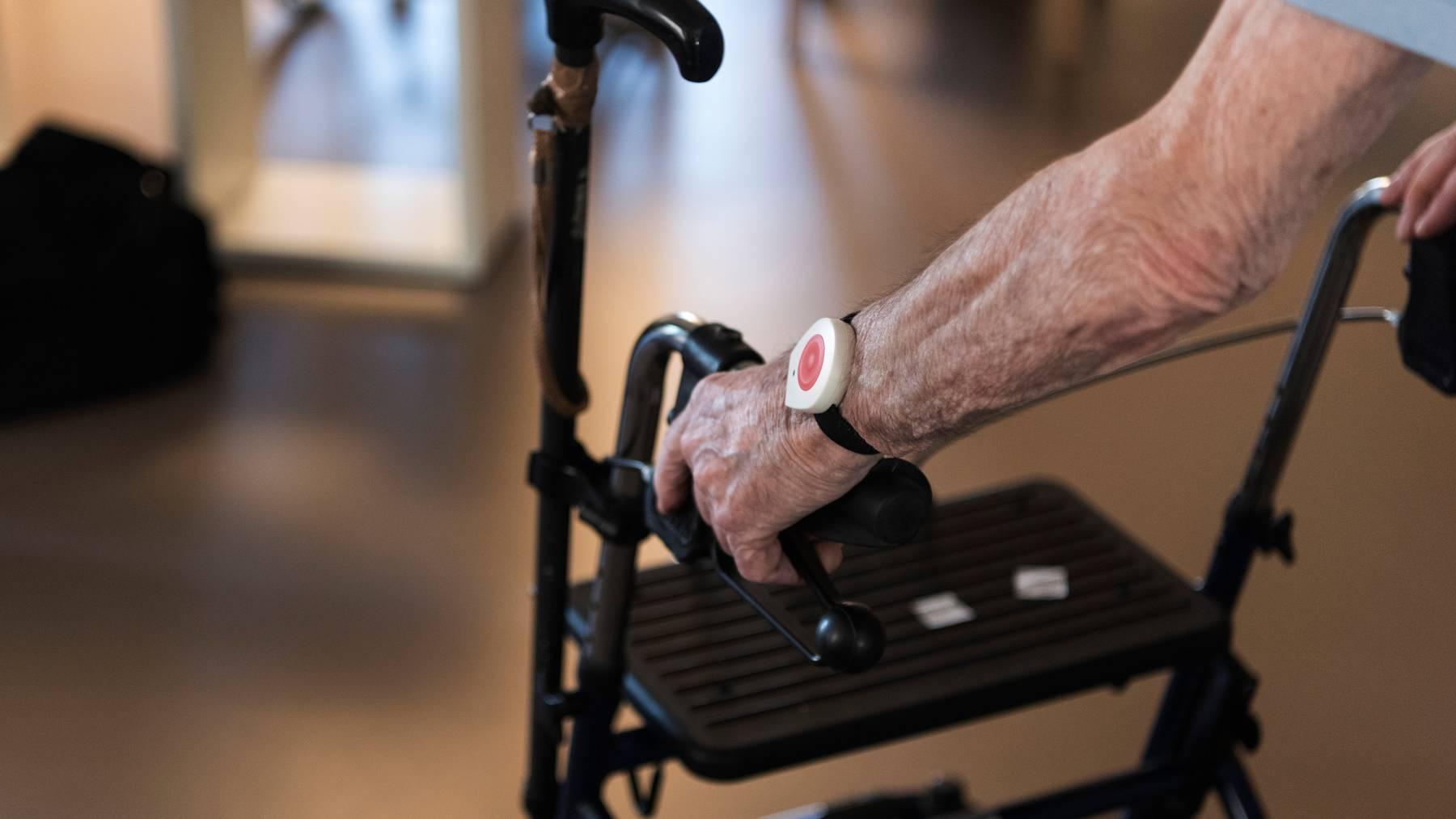 Für die nächsten zwei Wochen gilt wieder ein Besuchsverbot im Zürcher Altersheim «Seniorama».