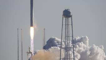 Start der Antares-Rakete