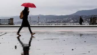 Über das kommende Wochenende kommt es zu teils kräftigen Niederschlägen in der Schweiz. (Symbolbild)