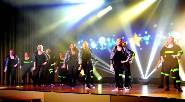 Die jährliche Turnshow des STV Reitnau. Auf dem Bild die Aktiven.