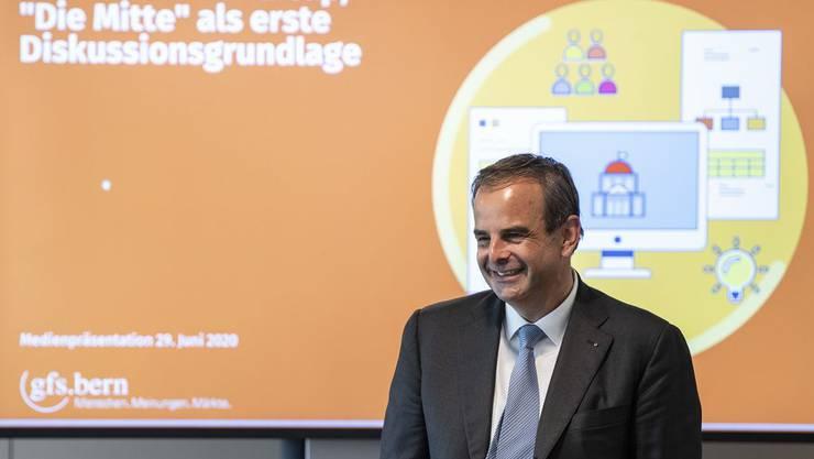 CVP-Präsident Gerhard Pfister an der Präsentation der Basis-Umfrage und der repräsentativen Befragung, die GfS Bern durchgeführt hat.