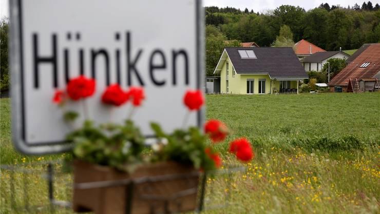 Ein Ja zur AHV-Initiative und ein Achtungserfolg für die Initiative «Grüne Wirtschaft»: Die Stimmbürger von Hüniken trotzten gestern dem Solothurner Trend. Archiv