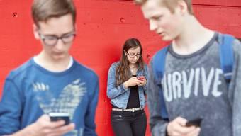 Junge Erwachsene fühlen sich bei der SVP besser aufgehoben. (Symbolbild)