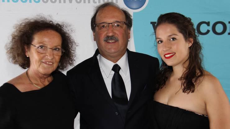Hanspeter Ricklin mit Frau Ruth und Tochter Patricia – eines von vier Kindern – an einem Hypnosekongress in Zürich.