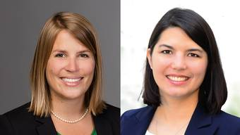 Sarah Wiederkehr (links), Fraktionspräsidentin CVP, erklärt, warum ein Ja nötig ist. Fiona Hostettler, Einwohnerrätin GLP, will keine Steuererhöhung auf Vorrat.