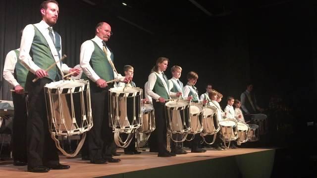 Einblick in den ersten Auftritt der Tambourengruppe Kreismusik Limmattal