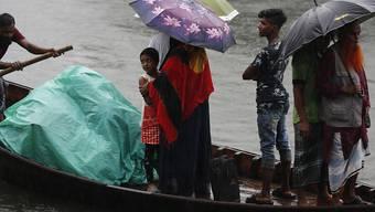 """Tausende mussten in Indien und Bangladesh wegen des Zyklons """"Bulbul"""" ihre Häuser verlassen."""