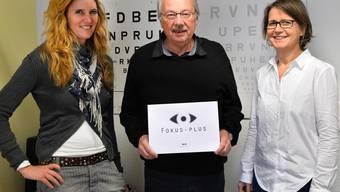 Neuer Name, neues Logo: Vereinspräsident Ruedi Heutschi mit der Stellenleiterin Muriel Avigni (links) und der Rehabilitationsfachfrau Barbara Fischer in den Räumen der Fachstelle in Olten.
