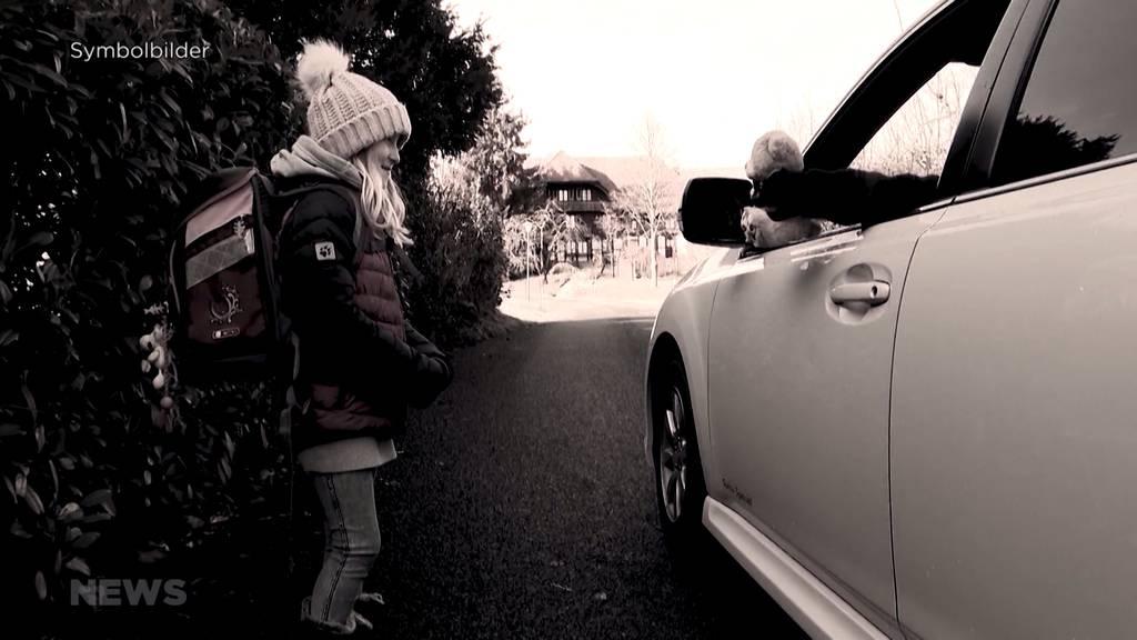"""""""Nicht zu Fremden ins Auto steigen"""": Unbekannter lockt Kinder an"""