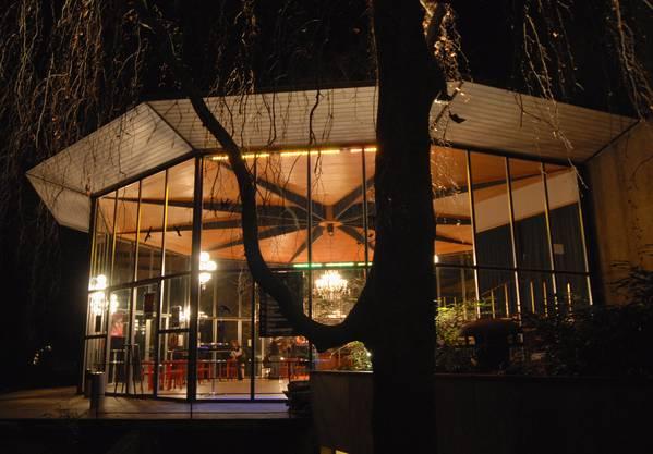 Das Kurtheater Baden bei Nacht