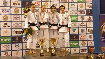 Podium Elite Damen -52 kg v.l.n.r : Florian Alexandra-Larisa (ROU, Silber), Skrypnik Darya (BLR, Gold), Perenc Agata (POL, Bronze) und Tschopp Evelyne (SUI, Bronze).