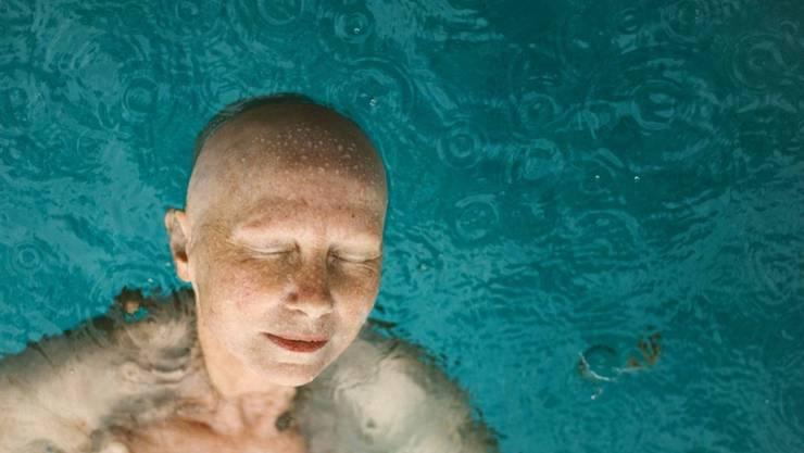 """Mit der Porträtserie einer an Brustkrebs erkrankten Neuenburgerin hat der Westschweizer Guillaume Perret die Auszeichnung """"Swiss Photographer of the Year"""" erhalten."""