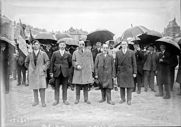 Gueules cassées in Versailles während einer Feier am 26. Juni 1927.