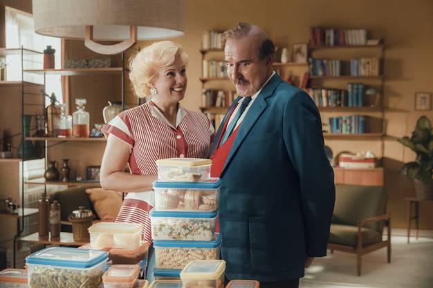 Szene aus dem Papa Moll-Film: Mama Moll (Isabella Schmid), Papa Moll (Stefan Kurt)