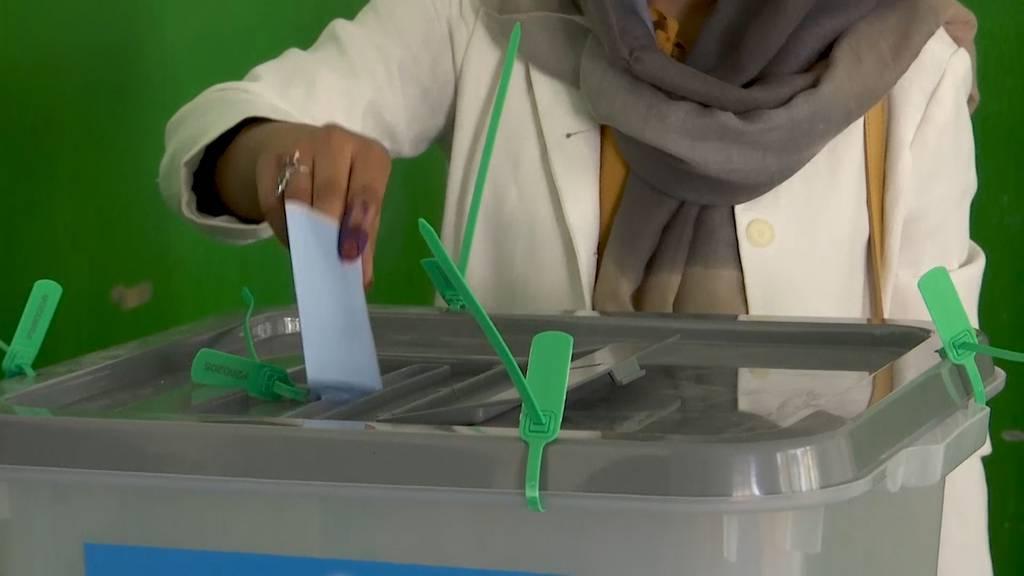 Präsidentschaftswahlen trotz Anschlägen