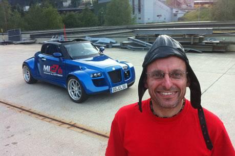 Jack Albani mit seinem Citysax bei einem Zwischenstopp in Göschenen