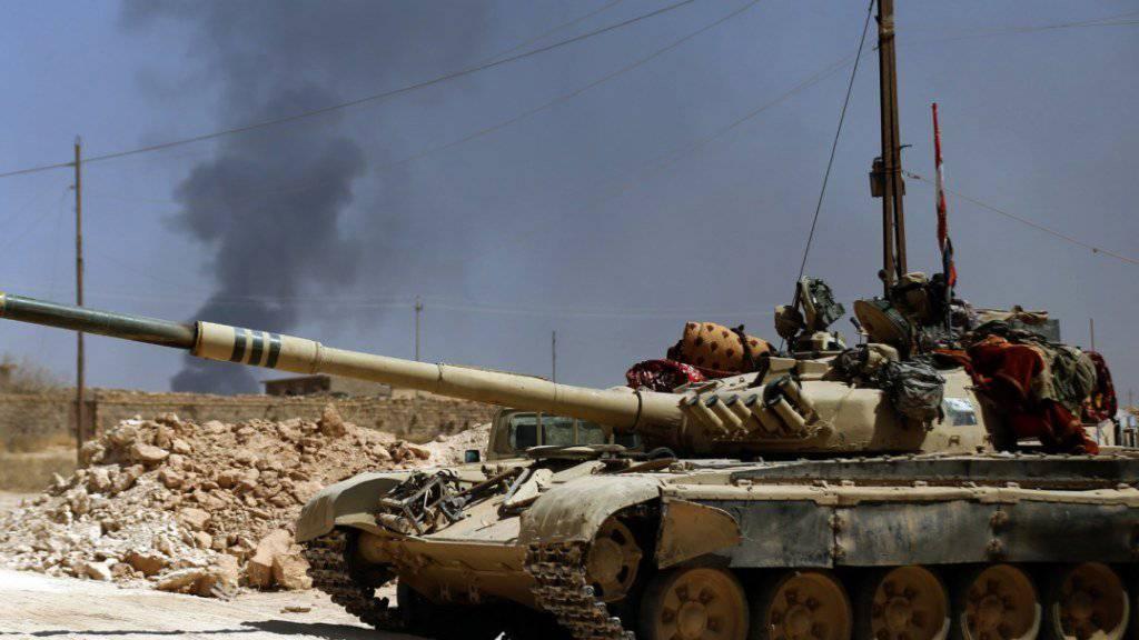 Die irakische Armee hat in den letzten Monaten zahlreiche Erfolge im Kampf gegen den IS verbucht. Nun startet sie eine Offensive, um die Dschihadisten aus der Grenzregion zu Syrien zu vertreiben.