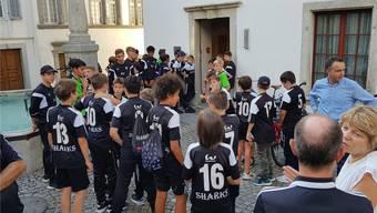 Machten auf die Kunstrasen-Motion aufmerksam: Vertreter des FC Brugg. jam