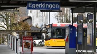 Egerkingens Bahnhof soll zu einem zentralen Bus-Knotenpunkt werden. (Archiv)