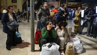 Reisende in Frankreich müssen zur Zeit viel Geduld aufbringen.