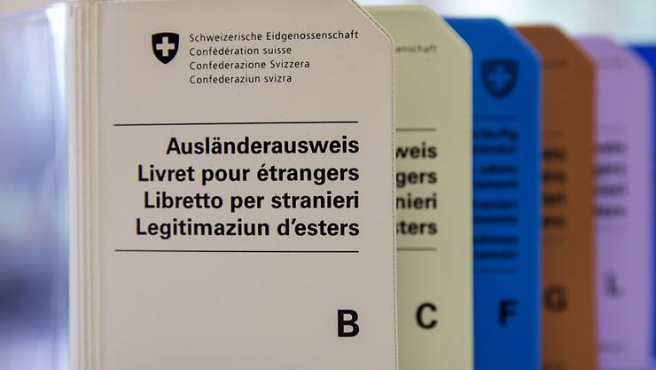 Personen ohne Aufenthaltsbewilligung, die sich mehr als einen Monat und für eine nicht absehbare Zeit in der Schweiz aufhalten gelten als Sans-Papiers. (Archivbild)