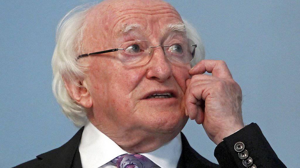 Irlands Präsident wurde klar für eine zweite Amtszeit wiedergewählt: der 77-jährige Michael D. Higgins. (Archivbild)