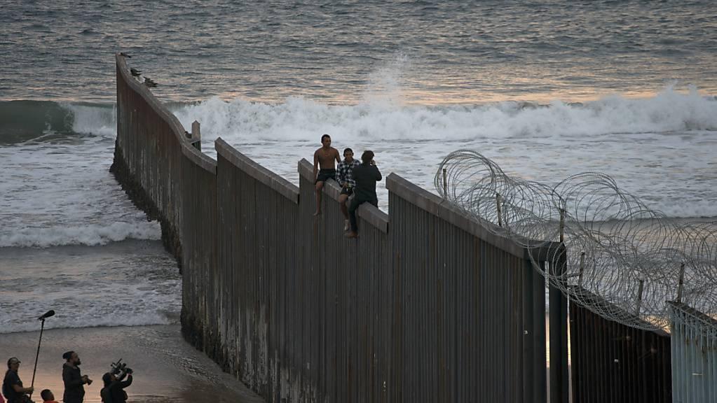 Die strikte Einwanderungspolitik von US-Präsident Donald Trump hat vor einem Gericht erneut eine einstweilige Niederlage erlitten. (Symbolbild)
