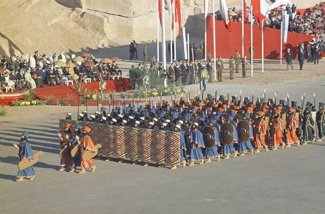 Über Jahrhunderte war Persien die bedeutende Grossmacht im Osten. Das Regime wurde damals als «gerecht aber hart und unbarmherzig« beschrieben. Die persischen Führer herrschten als «König der Könige» – doch nicht für immer.