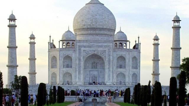 Der Taj Mahal in Agra: Indien verzeichnet weniger ausländische Touristinnen (Symbolbild)