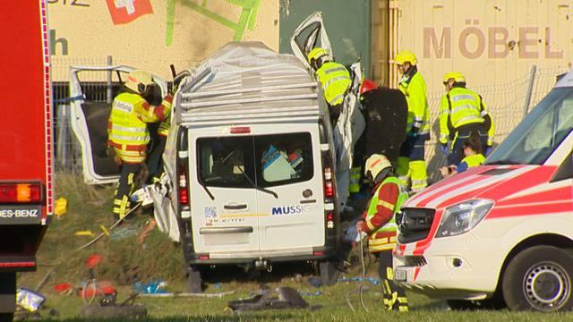 Schwerer Verkehrsunfall in Frauenfeld fordert zwei Verletzte