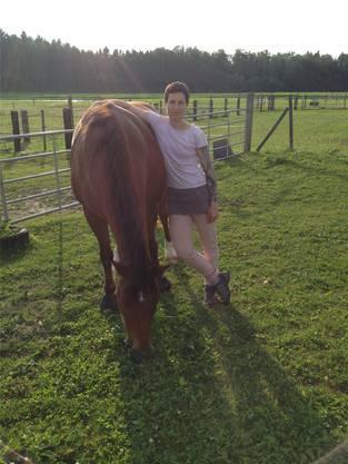 Um die Pferde zu versorgen, steht Katja Stoll morgens um 4.30 Uhr auf.