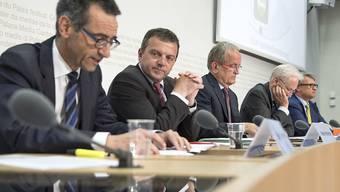 Stefan Holenstein, Direktor Automobil Clubs der Schweiz ACS (links im Bild) ist mit sofortiger Wirkung suspendiert worden. (Archivbild)